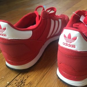 Adidas men's red sneaker